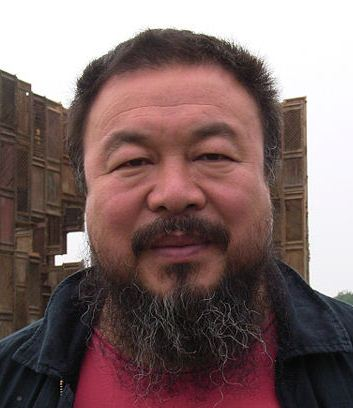 Ai Weiwei during documenta 12 (2007) Cropped | By: Hafenbar | Date: June 2007 | http://commons.wikimedia.org/wiki/File:Ai_Weiwei.jpg