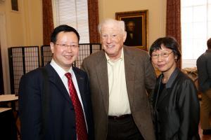 Xia Yeliang, Bob Bernstein, and Mi Ling Tsui © NYU Photo Bureau: Hollenshead