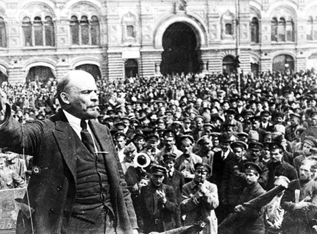 列宁在十月革命。(档案资料照)