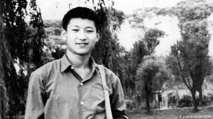 China Xi Jingping als Student im Jahr 1953 (picture-alliance/CPA)