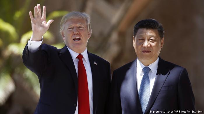 Donald Trump und Xi Jinping (picture alliance/AP Photo/A. Brandon)